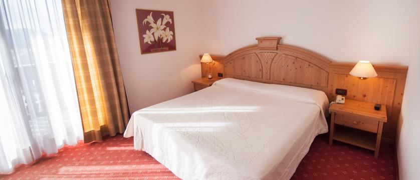 golf-hotel-folgaria-superior-room.jpg